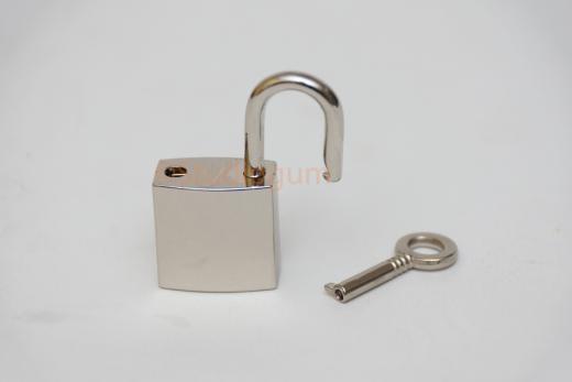 lock chrome